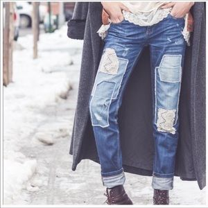 FREE PEOPLE Mid-Rise Patched Distressed Bl…